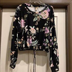 New crop sweater top